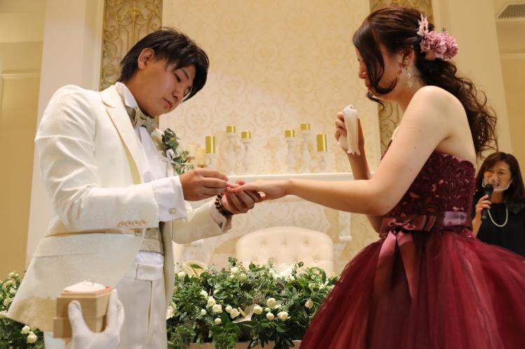 新婦様が願っていた指輪をプレゼント