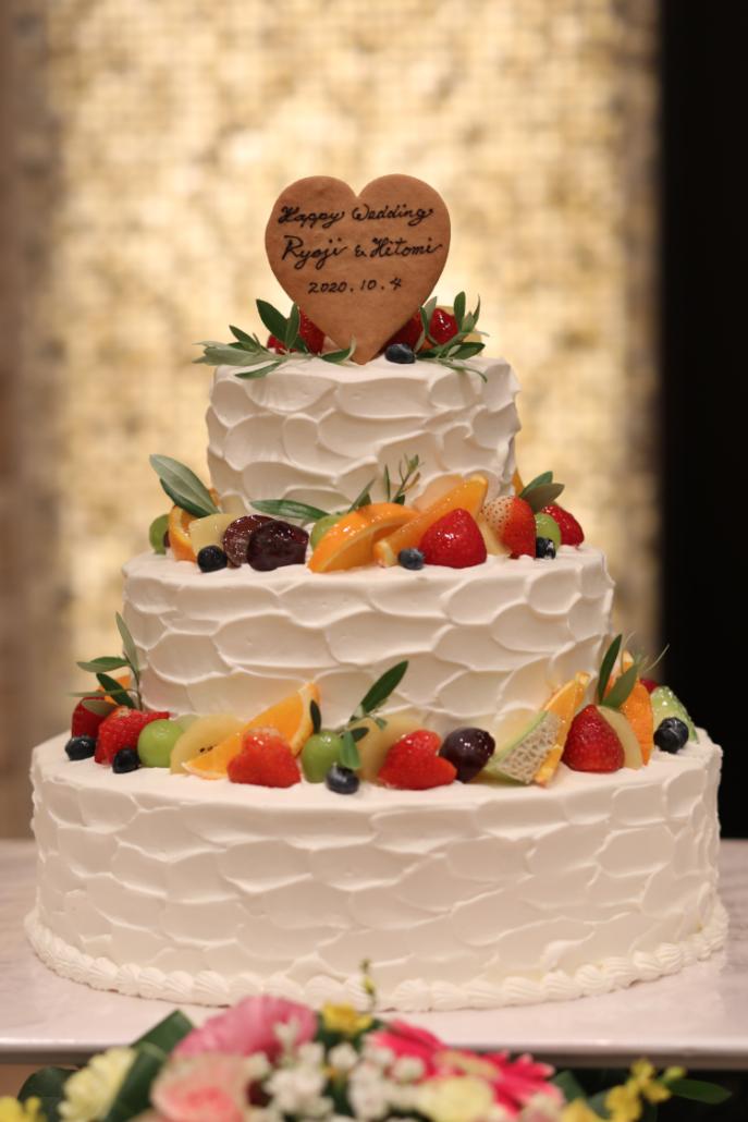 カラフルで可愛いウェディングケーキ